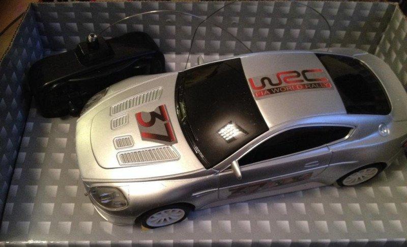 Test Top Race Aston Martin 4ch RC Ferngesteuerter Rennwagen