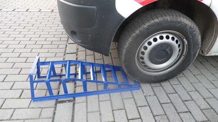 Test: LARS360® 2-teiliges Autorampe Auffahrrampen, Belastbarkeit 2000kg, 240 mm Reifenbreite