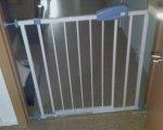 Test: Baby Türschutzgitter Treppengitter Kindersicherheitsgitter ca. 74 bis 87cm schwenkbar
